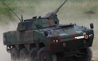 Kołowy Transporter Opancerzony Rosomak produkowany jest w Polsce od 2003 r. na licencji fińskiej.