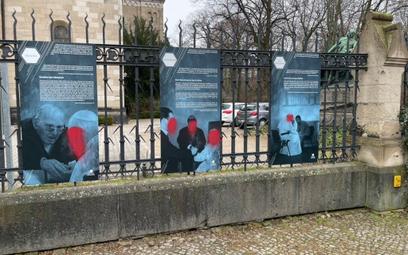 W Berlinie zniszczono wystawę o Janie Pawle II