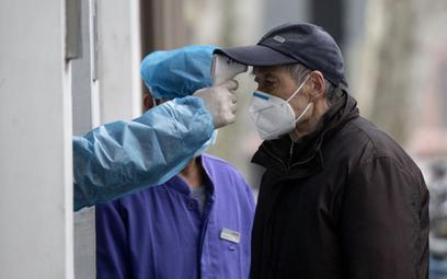 Chiny: 1716 pracowników ochrony zdrowia zarażonych wirusem