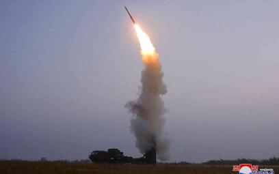 Test północnokoreańskiej rakiety przeciwlotniczej