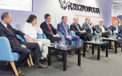 Uczestnicy debaty (od lewej): Zygmunt Frankiewicz, prezydent Gliwic; Jacek Karnowski, prezydent Sopo