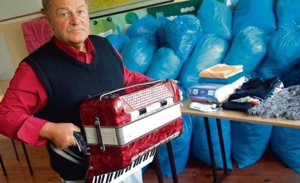 Zygmunt Czapla uparcie wozi żmudnie uzbierane dary na Kresy