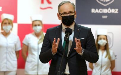 Koronawirus w Polsce. Kiedy zdejmiemy maseczki? Minister Niedzielski odpowiada