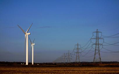 Wiele firm z wyznaczeniem celów inwestycji w farmy wiatrowe czeka na ostateczny kształt nowelizacji