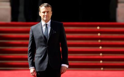 Emmanuel Macron przejął władzę