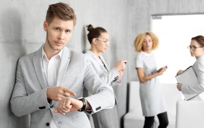 Spóźnienia do pracy – co ze spóźnialskim pracownikiem?