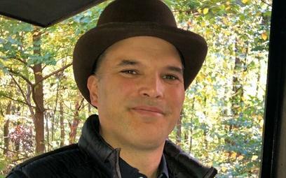 Matt Taibbi: Media bez niuansów, wszystko jak film o kowbojach