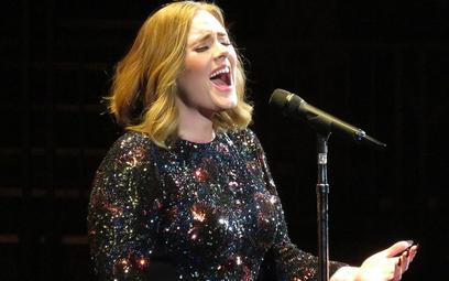 """Adele podczas trasy """"Adele Live 2016"""""""