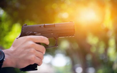 49-latek po kłótni wrócił na stację i zastrzelił sprzedawcę