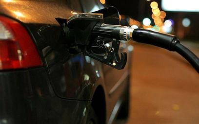 130 sklepowych stacji paliw sprzedało paliwo za 3,7 mld zł