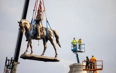 Posąg dowódcy Konfederatów usunięty ze stolicy Wirginii