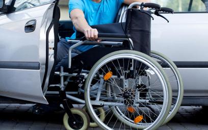 Czy ulga rehabilitacyjna dla niepełnosprawnych przysługuje na firmowy samochód