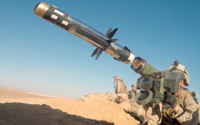 Odpalenie przeciwpancernego pocisku kierowanego Javelin. Fot. USMC