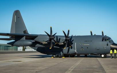 Pierwszy francuski KC-130J Super Hercules po przylocie do bazy w Orleanie. Fot./Siły Powietrzne Fran