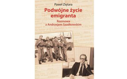 """Recenzja """"Podwójnego życia emigranta"""". Do Polski na spadochronie"""
