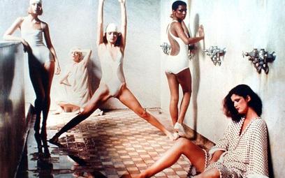 "Deborah Turbeville, Łaźnia (dla amerykańskiej edycji ""Vogue'a""), Nowy Jork, 1975, © Deborah Turbevil"
