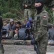 Grupa imigrantów przy granicy z Białorusią