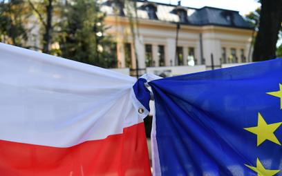 Pikieta przed siedzibą Trybunału Konstytucyjnego w Warszawie