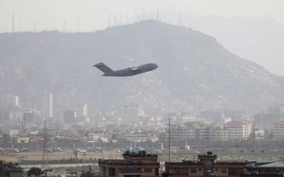 Rzecznik talibów: Z paszportem będzie można wylecieć z kraju