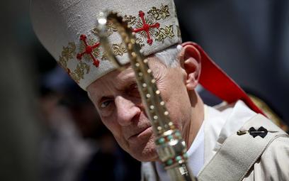 Papież przyjął rezygnację kardynała, który tuszował pedofilię