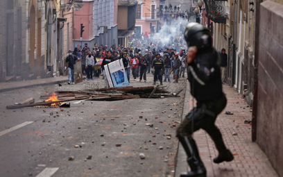 Protesty w Ekwadorze: Rząd opuszcza stolicę