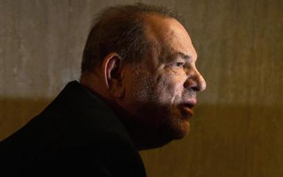 Harvey Weinstein starał się przed sądem nie okazywać emocji, choć po ogłoszniu wyroku został odwiezi