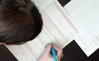 Roczny PIT: jak wylicza się podatek dochodowy
