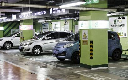 Spadek sprzedaży aut elektrycznych w Chinach