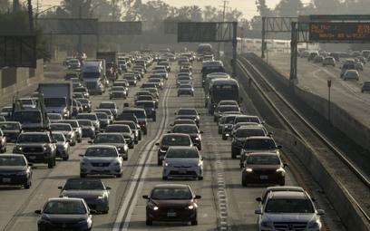 Nadchodzi zmierzch silników spalinowych. Nowe plany w Kalifornii, Anglii i Amsterdamie
