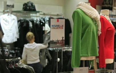 Wprowadzenie płacy minimalnej dla umów-zleceń podniesie koszty firm odzieżowyc