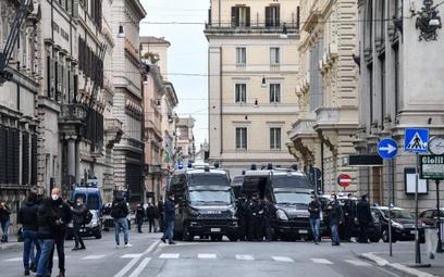 Włosi znoszą kwarantannę, wystarczy test