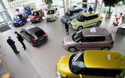 Prawie 35,8 tys. samochodów osobowych i dostawczych sprzedali polscy dealerzy w styczniu.