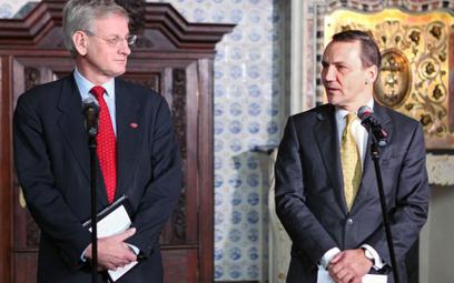 Carl Bildt i Radosław Sikorski w lutym w Gdańsku