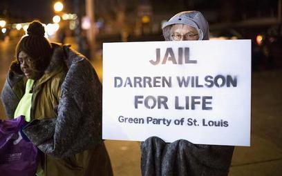 Policjant, który zastrzelił nastolatka w Ferguson chce odejść ze służby