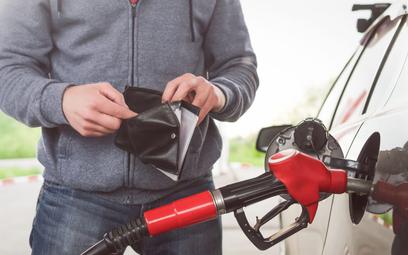 Karty paliwowe – rozliczenie w VAT. Jest interpretacja ministra