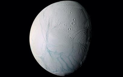 Czy na Enceladusie coś żyje?
