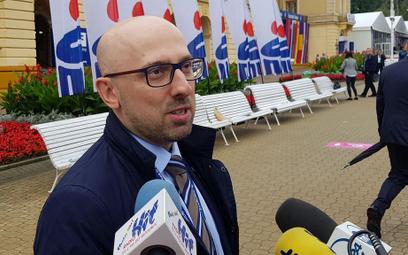 Krzysztof Łapiński krytykuje kampanię PiS. Szef sztabu odpowiada