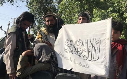 Talibowie w pałacu prezydenckim w Kabulu, chcą pełni władzy w Afganistanie