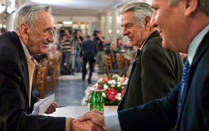 W Sejmie spotkali się wczoraj uczestnicy obrad Okrągłego Stołu. Na zdjęciu Tadeusz Mazowiecki, Stani