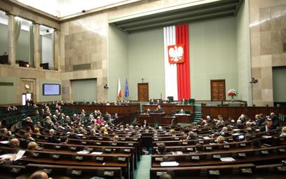 Sejm: OFE musi odejść