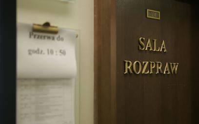 Pracownicy sądów masowo idą na zwolnienia. Resort Ziobry nasyła ZUS