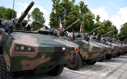 120 mm moździerze samobieżne na podwoziu kołowym M120K Rak. Fot./Maciej Nędzyński/CO MON.