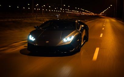 Luksusowe auta bardziej opłacalne w wynajmie niż w leasingu