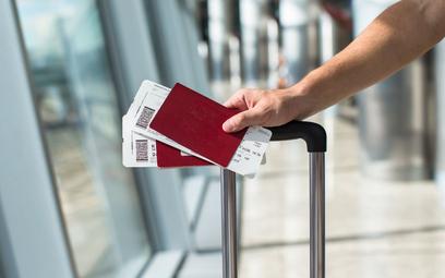 Publikacja zdjęcia biletu lotniczego w sieci może sprowadzić kłopoty