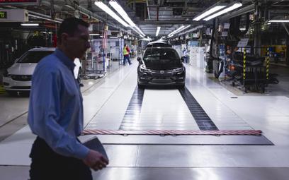 Na uruchomienie programu szczepień czekają m.in. fabryki Opel Manufacturing Poland w Gliwicach i Tyc