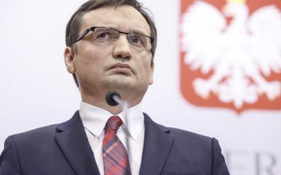 Partia Ziobry domaga się wyjaśnień ws. zwolnienia kuratora
