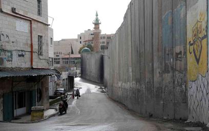 Jerozolima: Samochód wjechał w grupę ludzi. Rannych 12 żołnierzy