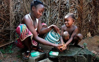 Podaruj dzieciom w Sierra Leone czystą wodę