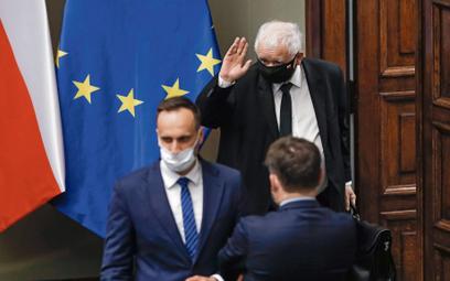 Unia Europejska, z którą obóz Jarosława Kaczyńskiego wojuje na wielu polach, akurat w kwestii uchodź