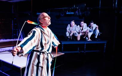 Po zamknięciu wymuszonym lockdownem Teatr Wybrzeże zaprasza na cztery spektakle na platformie VOD. M